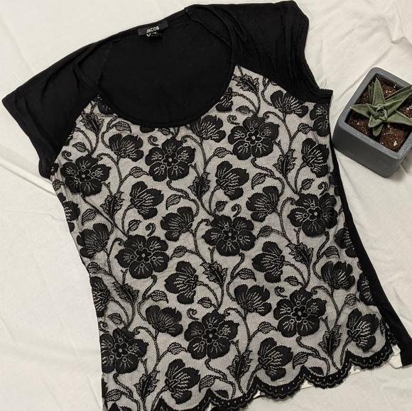 Cap sleeve lace t-shirt